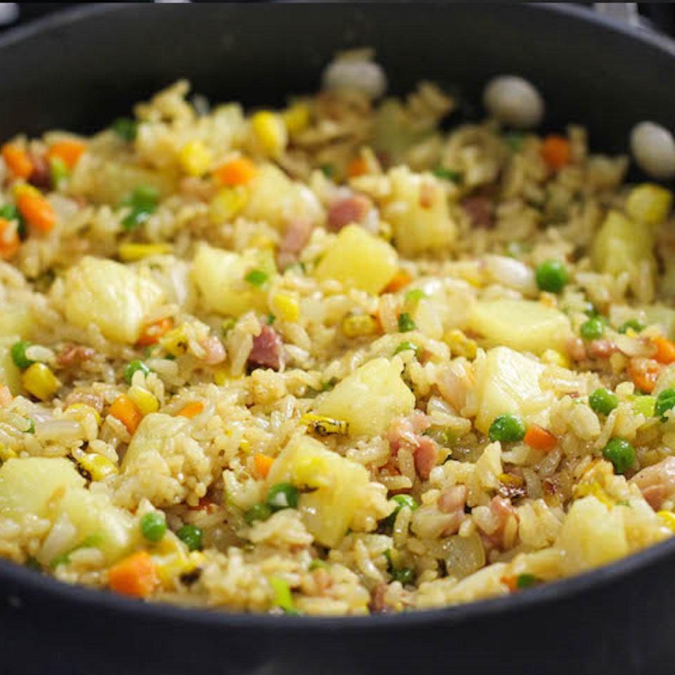 Ψητός ανανάς με ρύζι και ζαμπόν