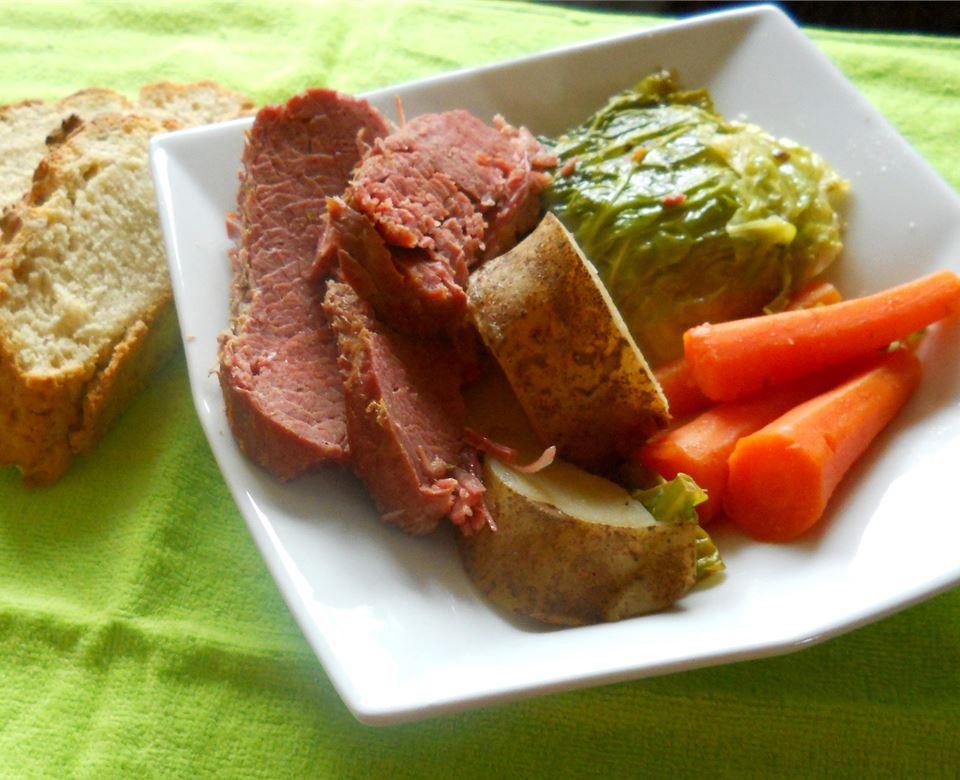 Ψητό βοδινό κρέας με λάχανο