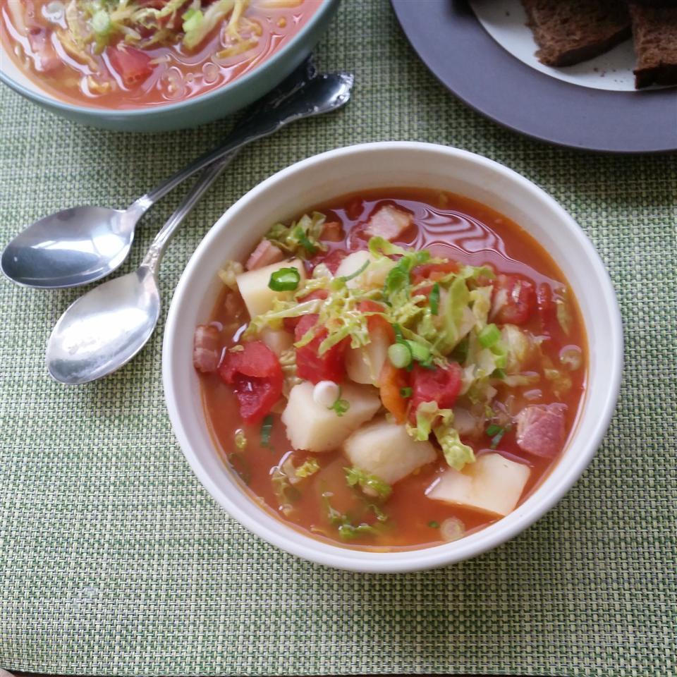 Σούπα με μπέϊκον και λάχανο